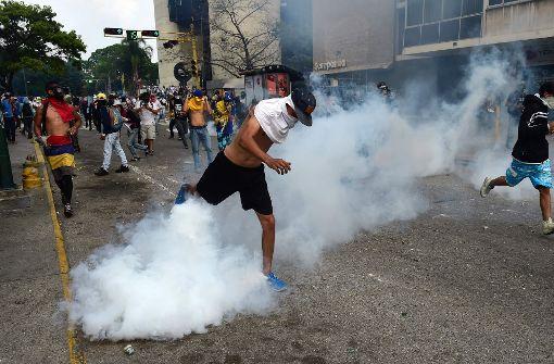 Elf Tote bei nächtlichen Unruhen in Venezuelas Hauptstadt