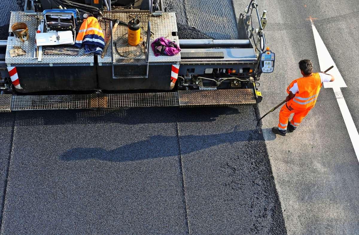 Auf den Fildern soll die B27 um insgesamt zwei Spuren wachsen. Fertig sein soll die breitere Schnellstraße im Jahr 2030. Foto: picture alliance / dpa/Patrick Seeger