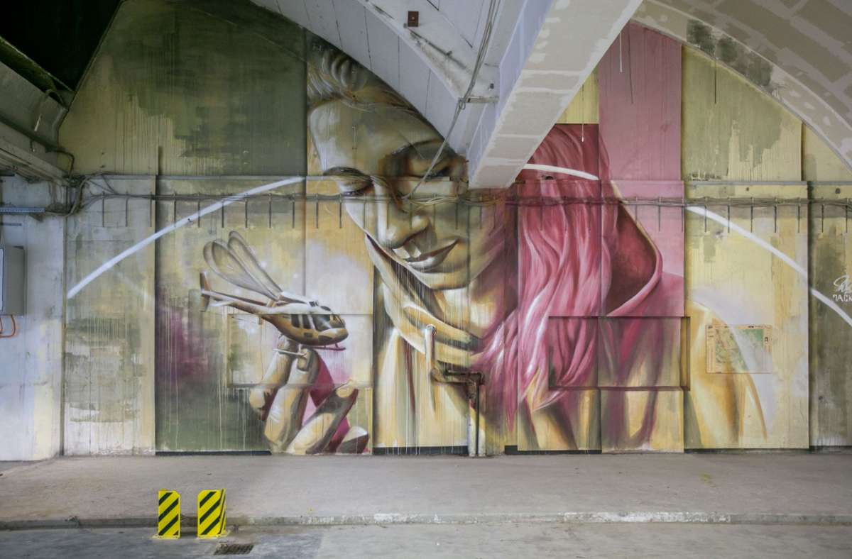 Eine Woche lang haben sieben Künstler die alte Rotationshalle im Verlagsgebäude der EZ als Leinwand genutzt Foto: Roberto Bulgrin