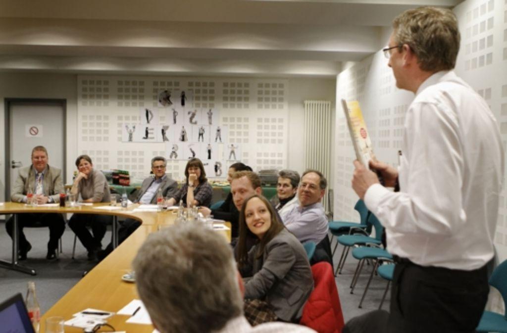 Was ist die Zukunft der Zeitung? Das hat Chefredakteur Joachim Dorfs Leserinnen und Leser der StZ gefragt Foto: Heinz Heiss