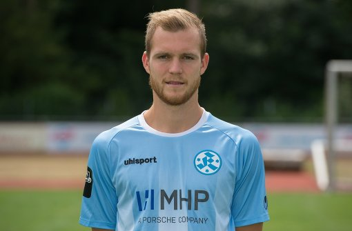 Stuttgarter Kickers mit Routine ins Halbfinale
