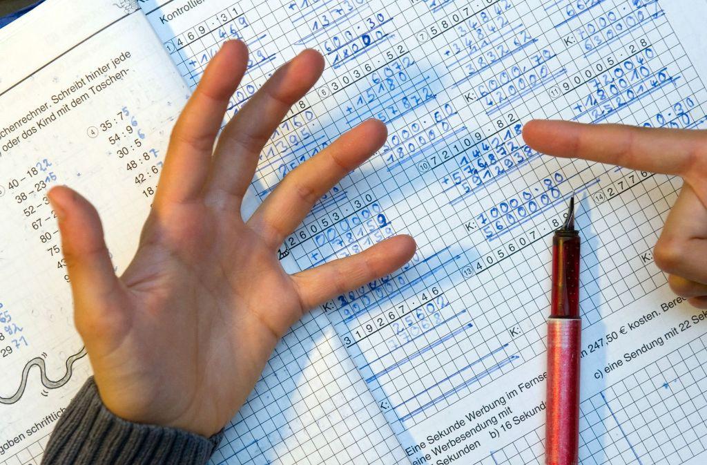 Man kann rechnen wie man will, in Baden-Württemberg fehlen Lehrer. Foto: dpa-Zentralbild