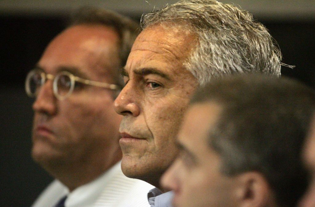 Der US-Milliardär Jeffrey Epstein ist  am Samstag tot in seiner Gefängniszelle aufgefunden worden. Foto: dpa