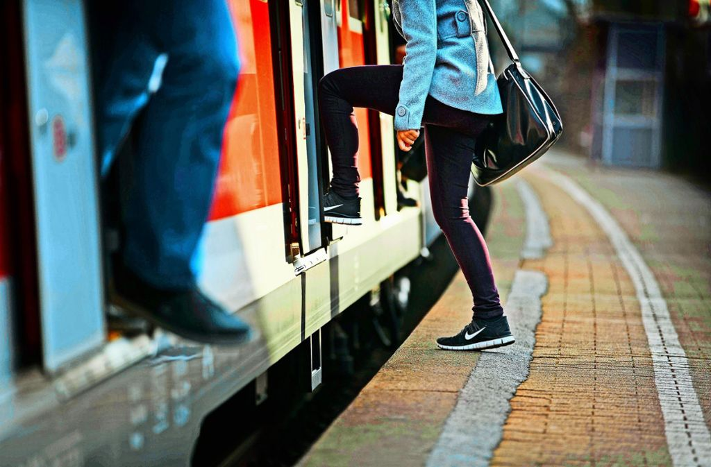 Die Höhendifferenz   ist eines der Probleme an den S-Bahn-Stationen  Stetten-Beinstein und Rommelshausen. Foto: Gottfried Stoppel