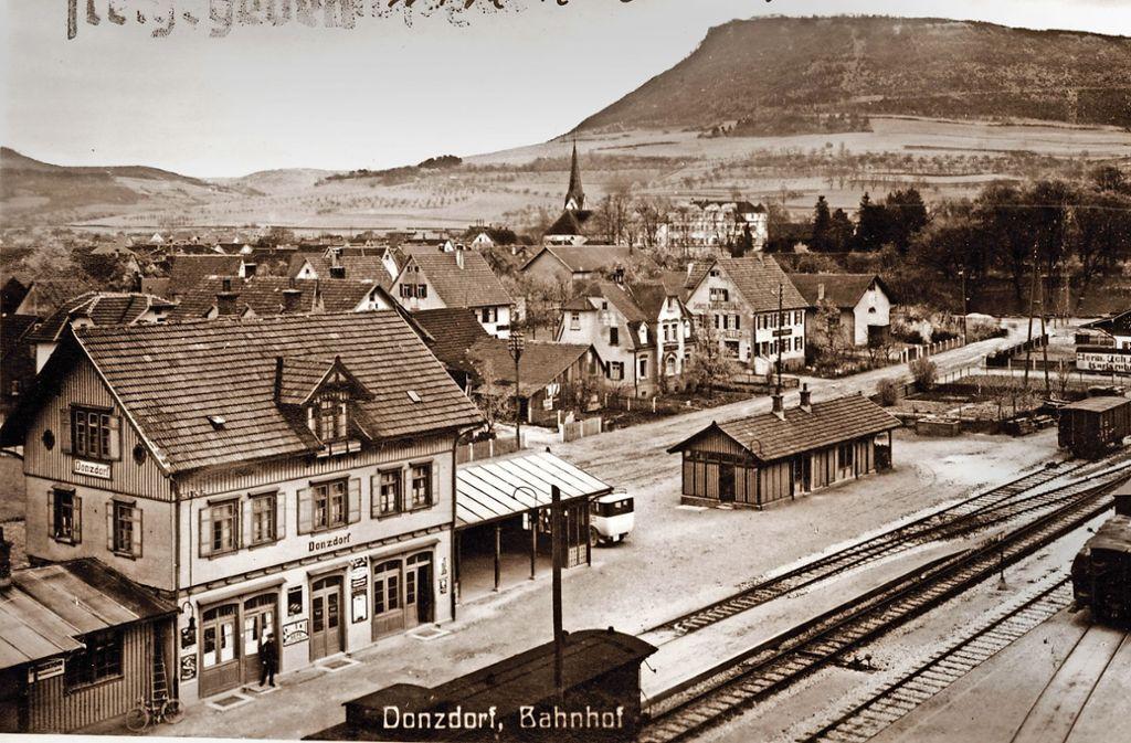 Der Donzdorfer Bahnhof war die wichtigste Station  der Lautertalbahn. Foto: Kreisarchiv