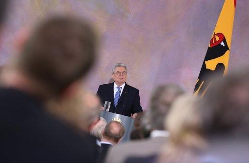 Bundespräsident Joachim Gauck hört europolitisch da auf, wo es weh tut. Klicken Sie sich durch die Bildergalerie zur Person Gauck. Foto: dpa
