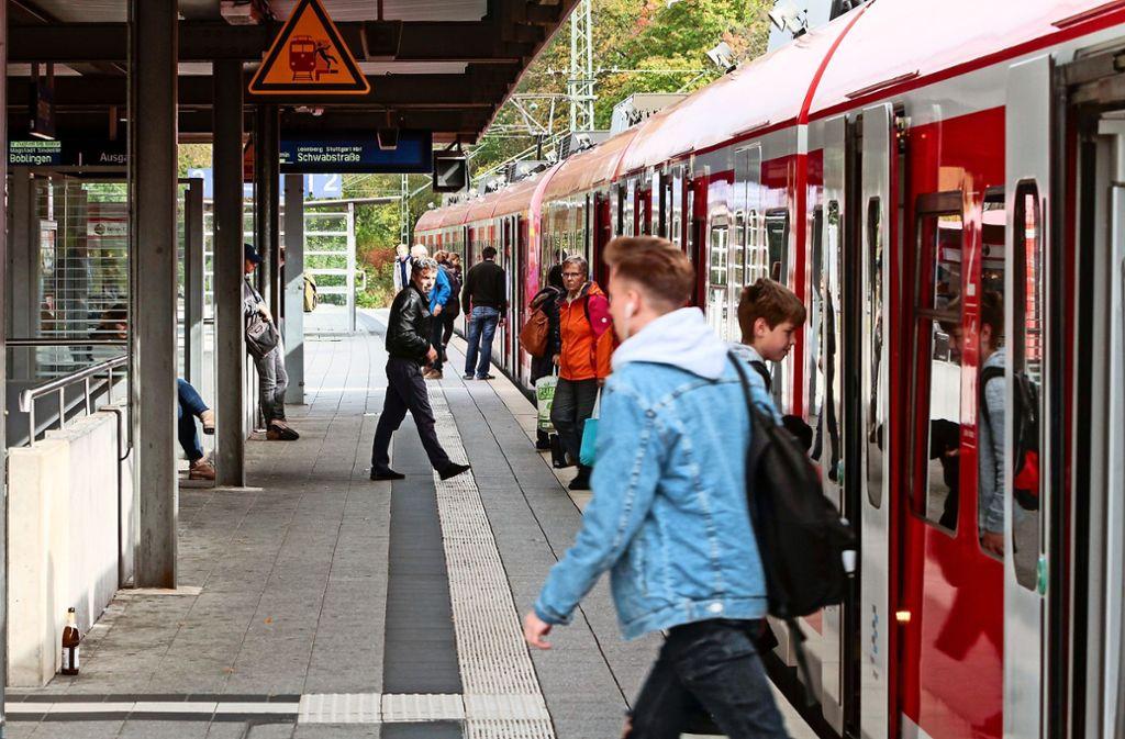 Im Bahnhof Renningen soll auch die dieselbetriebene Hesse-Bahn einmal enden. Foto: factum/Bach