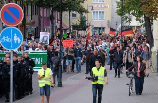 Viele Demonstranten ziehen wieder durch Köthen