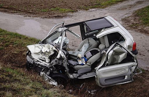 20-Jährige kracht in Sattelzug und stirbt – B27 stundenlang gesperrt