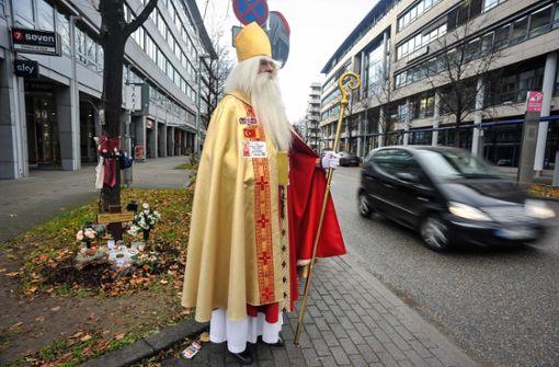 Der Nikolaus hat eine Botschaft: Fuß vom Gas!