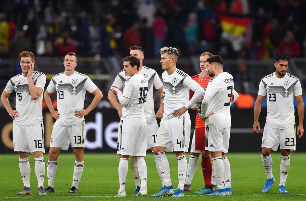 Nach dem Schlusspfiff überwog die Enttäuschung bei den deutschen Nationalspielern nach dem 2:2 gegen Argentinien nach einer 2:0-Führung. Foto: dpa/Marius Becker