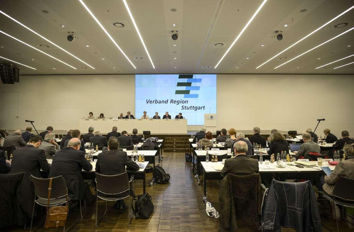 Die Regionalversammlung (hier ein Bild aus Zeiten vor der Corona-Pandemie) beschließt über den Etat des Verbands Region Stuttgart. Wie wird das Zahlenwerk für 2021 aussehen? Foto: Lichtgut/Leif Piechowski