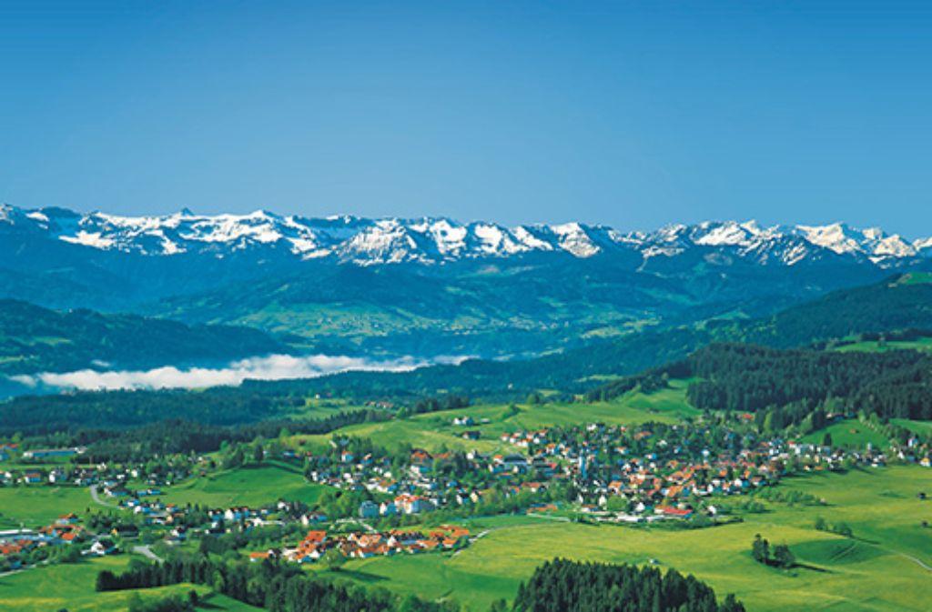 Scheidegg im Westallgäu – Ihr Urlaubs- und Gesundheitsort auf der Sonnenterrasse über dem Bodensee.  Foto: Scheidegg-Tourismus