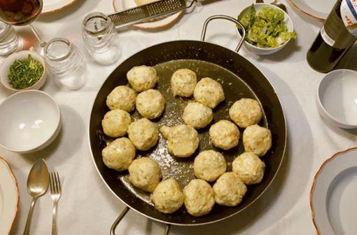 Rund und gut – so gelingen herzhafte Südtiroler Käseknödel