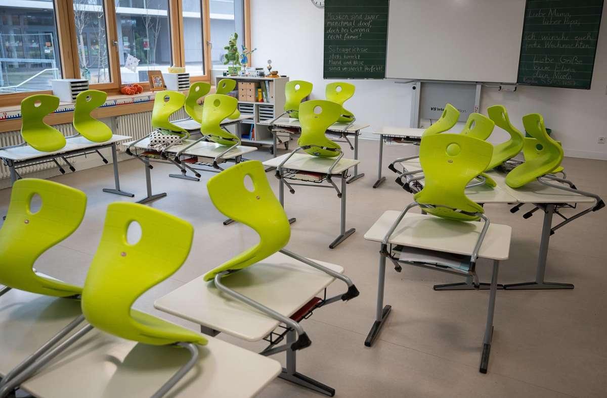Es soll eine Öffnungsperspektive für Grundschulen und Kitas erarbeitet werden. (Symbolbild) Foto: dpa/Sebastian Gollnow