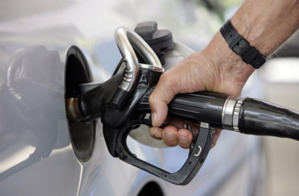 Bundesbankpräsident Jens Weidmann sieht das zurzeit billigere Erdöl als eine Art Konjunkturprogramm. Foto: dpa