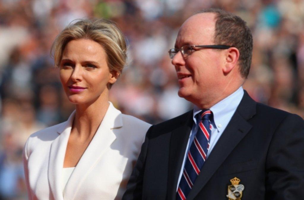 Sie schaut oft so traurig. Doch das, betont Charlène von Monaco habe nichts damit zu tun, dass  sie mit Albert unglücklich sei. Foto: dpa