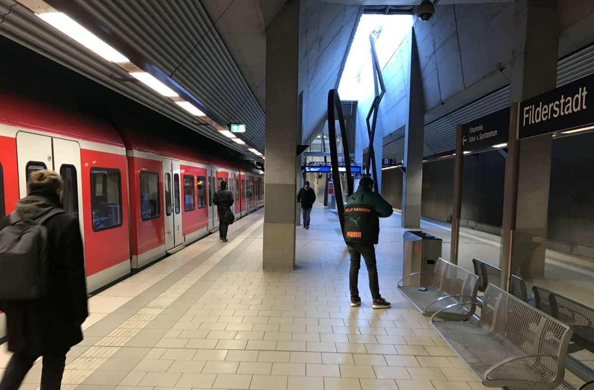 Bisher pendelt die S2 nur im Halbstundentakt nach Filderstadt-Bernhausen. Foto: Archiv Julia Bosch