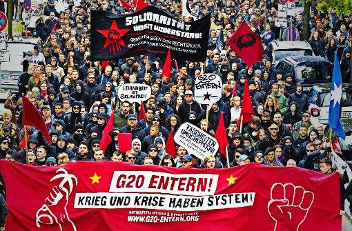 Generalprobe am 1. Mai: Linke Demonstranten laufen sich für den G-20-Gipfel warm. Foto: dpa