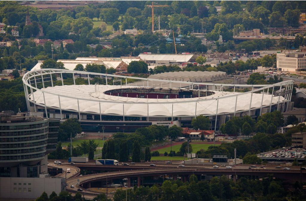 Dürften  E-Autos überhaupt in die  Mercedes-Benz-Arena einfahren? Foto: Lichtgut/Christoph Schmidt