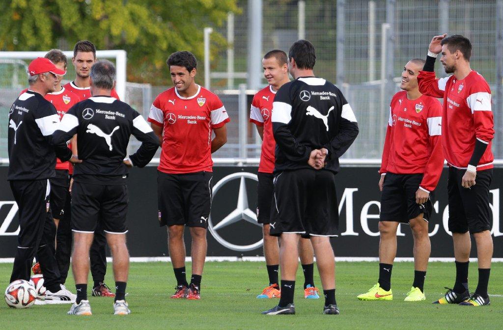 Der VfB Stuttgart bei der Vorbereitung auf Bayer Leverkusen. Foto: Pressefoto Baumann
