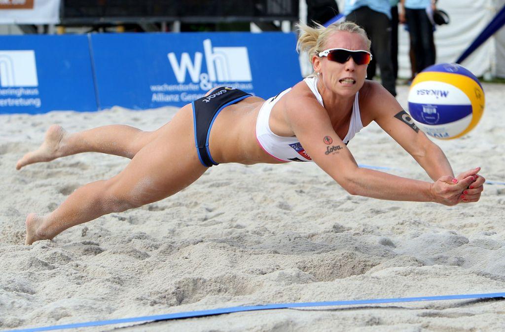 Im Stuttgarter Sand (wie hier 2014) darf Karla Borger derzeit nicht Beachvolleyball spielen. Foto: Baumann