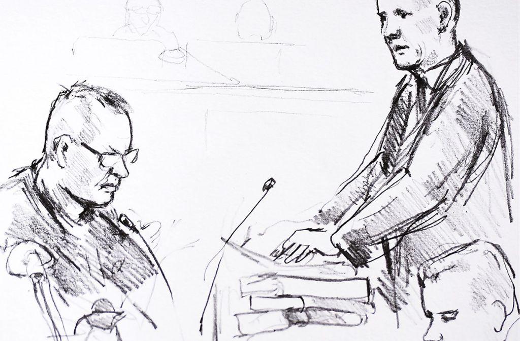 Die Zeichnung von Anne Gyrite Schütt zeigt den Angeklagten Peter Madsen (links) und den Staatsanwalt Jakob Buch-Jepsen (rechts) am ersten Verhandlungstag des Mord-Prozesses gegen dänischen U-Boot-Bauer. Foto: dpa