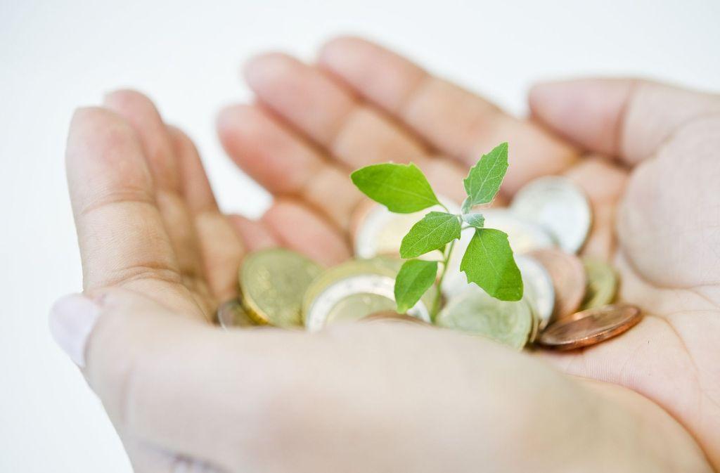Viele Menschen suchen nach Wachstumschancen für ihre Ersparnisse. Foto: dpa