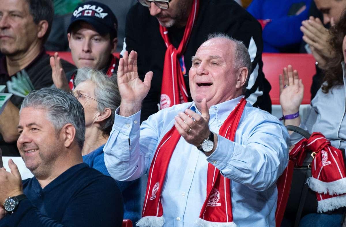 Uli Hoeneß, der Ehrenpräsident der Bayern, könnte laut Berti Vogts auch DFB-Präsident werden. Foto: dpa/Matthias Balk