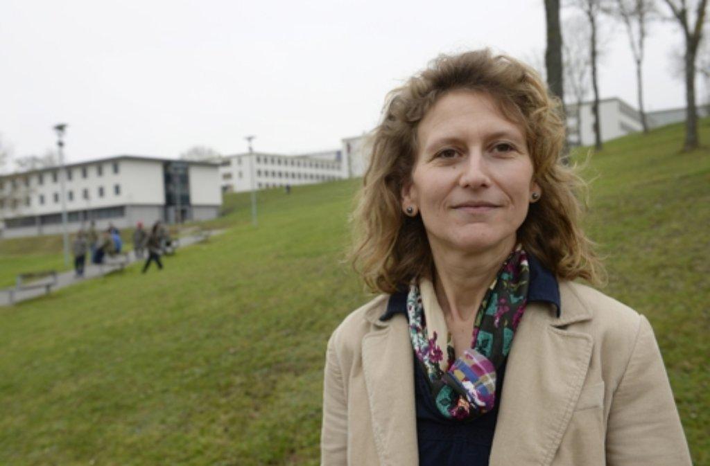 Eine neue Chefin für das Jungedgefängnis Adelshein: Katja Fritsche wird am Freitag von Justizminister Rainer Stickelberger (SPD) offiziell in ihr Amt eingeführt. Foto: dpa