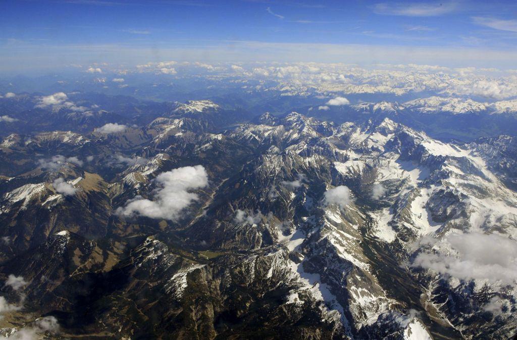 In den Alpen ist am Wochenende ein Mann aus dem Kreis Ludwigsburg tödlich verunglückt. (Symbolfoto) Foto: dpa