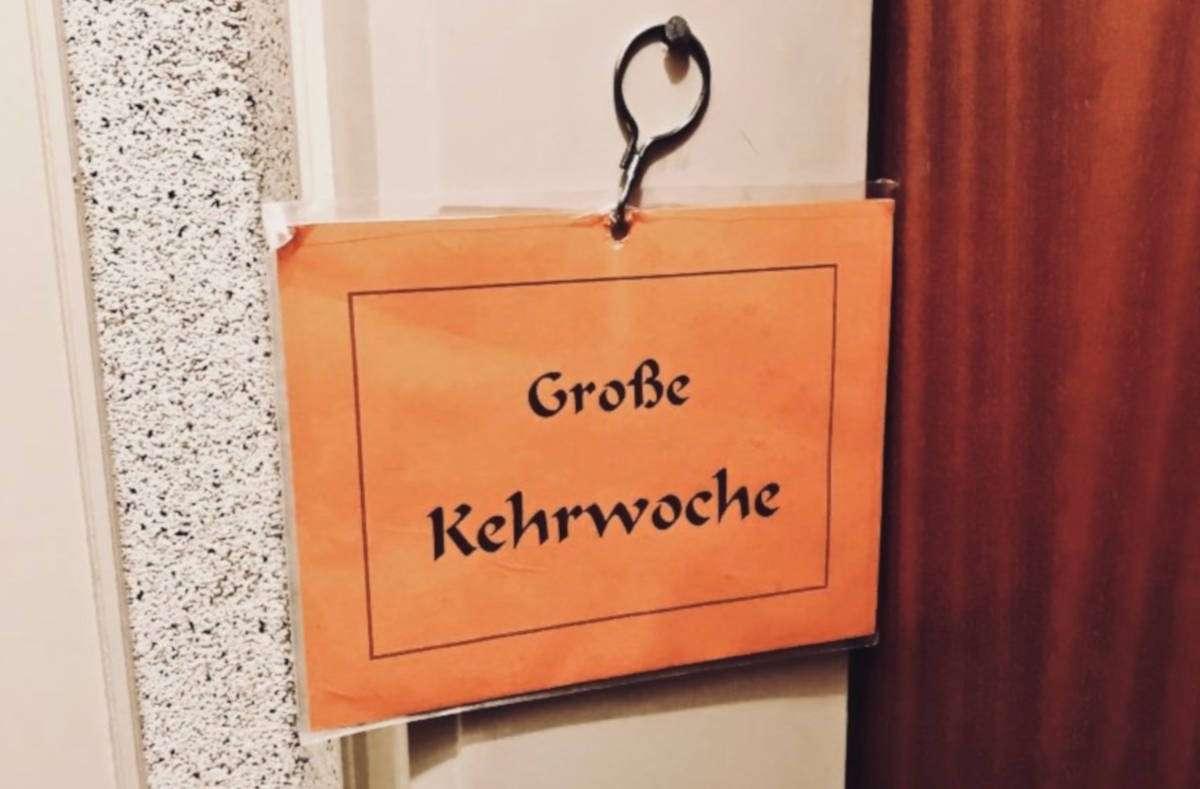 Kehrwoche - eine Tradition die jeder in Stuttgart kennt! Und die nervt! Wir verraten euch 10 Tipps, wie ihr die Kehrwoche stressfrei übersteht... Foto: Joachim Baier