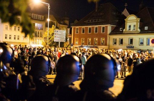 """Bundesregierung verurteilt Gewalt als """"unwürdig"""""""