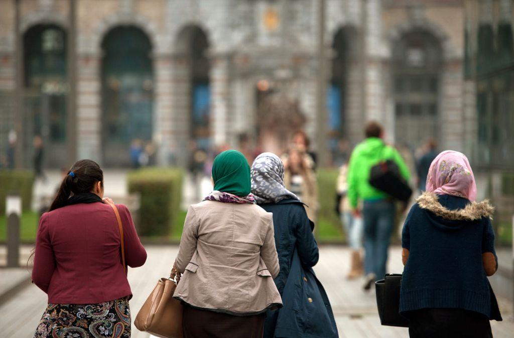 Frauen, die eine muslimische Verschleierung  tragen – Hijab genannt – erfahren im Alltag oft Diskriminierung. Foto: dpa