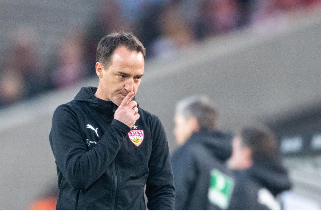 Der VfB-Trainer Nico Willig grübelt darüber, wie sich der VfL Wolfsburg bezwingen lässt. Foto: dpa