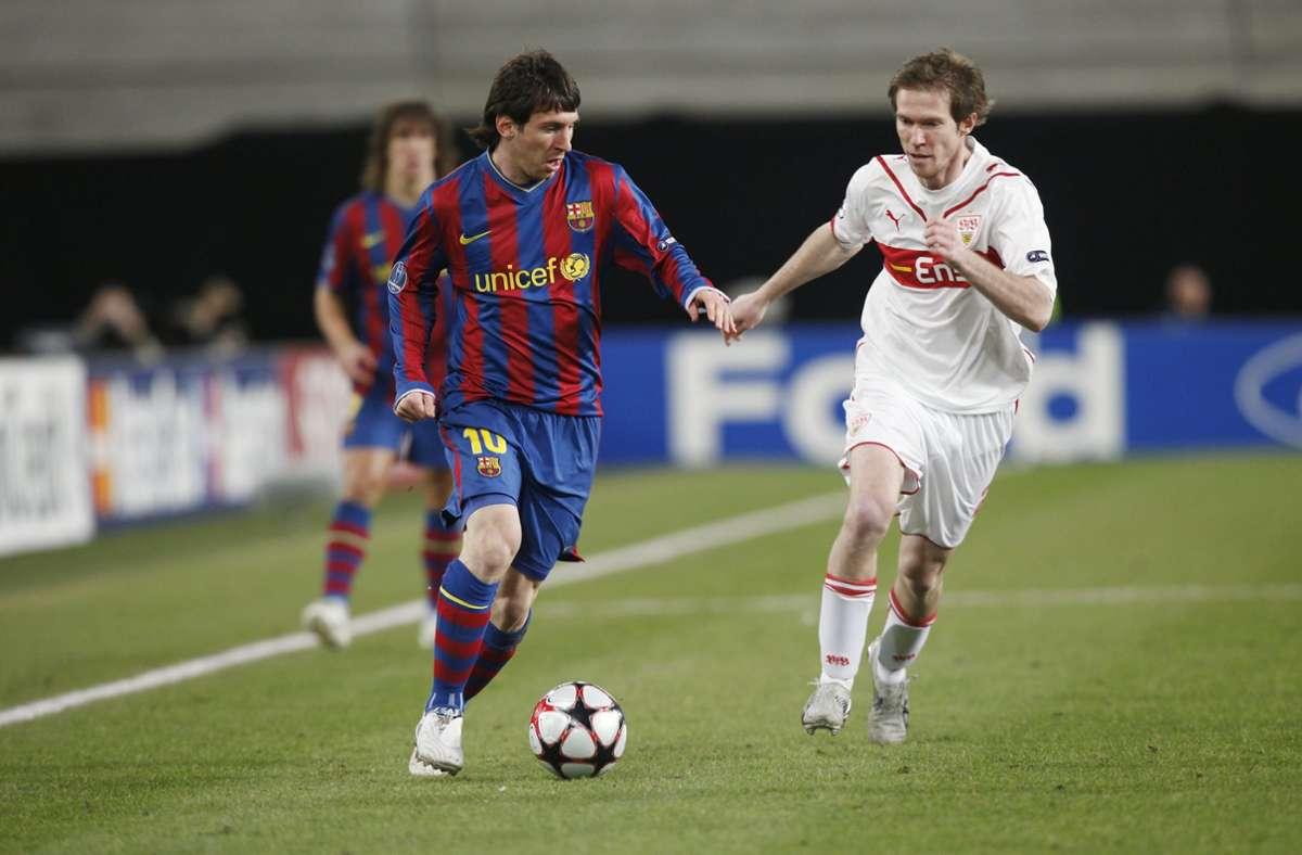 Zwei Dribbler im direkten Duell: Lionel Messi (links) gegen Alexander Hleb. Das war im Frühjahr 2010, als der VfB Stuttgart in der Champions League auf den FC Barcelona traf. Foto: Baumann/Hansjürgen Britsch