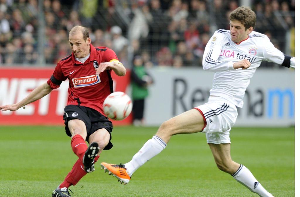 Oliver Barth (links) im Trikot des SC Freiburg Foto: dpa