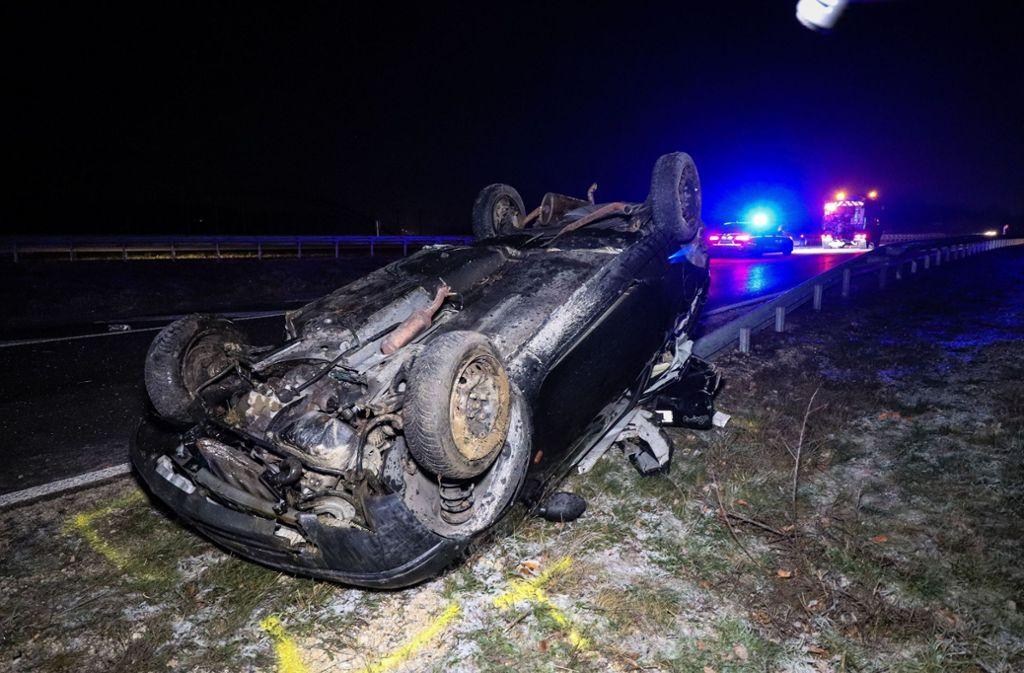 Totalschaden: Der Renault Twingo überschlug sich bei dem Unfall mehrfach. Foto: SDMG/SDMG / Lafloer