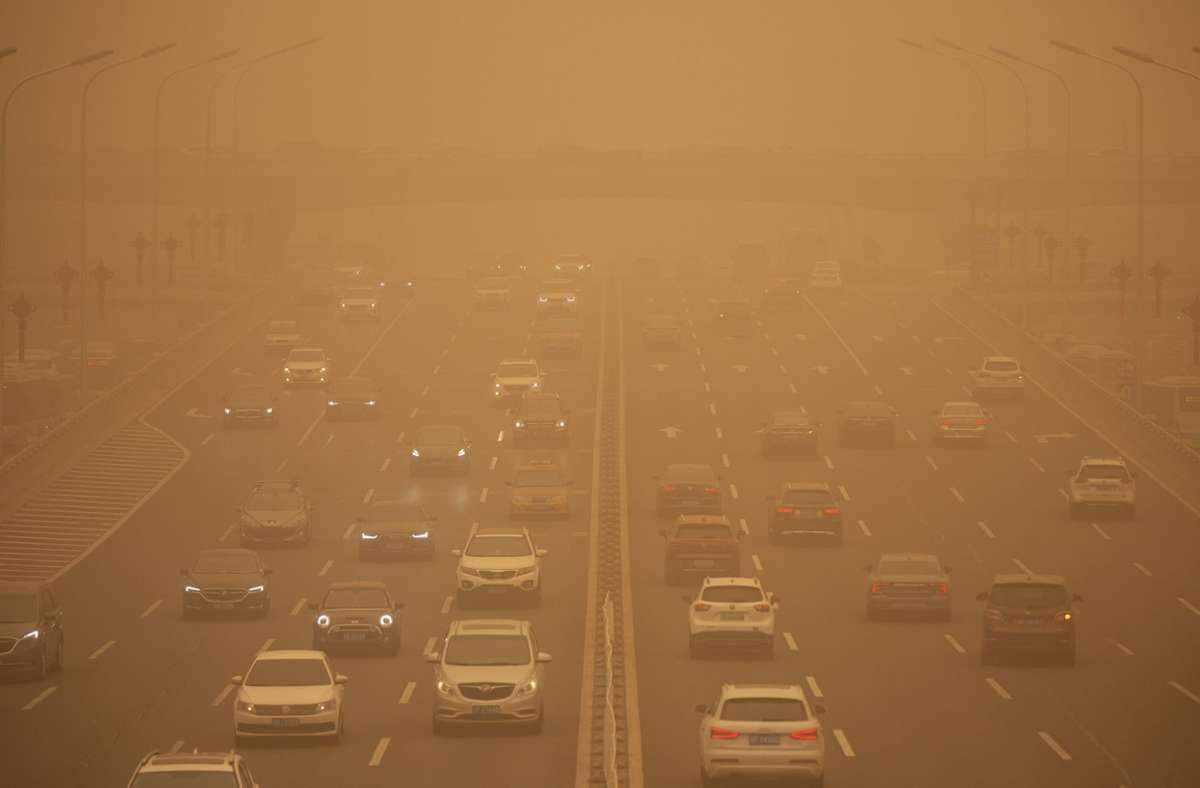 """Sandsturm über Nordchina: Die Behörden in Peking riefen am Montag einen """"gelben Alarm"""" aus. Foto: dpa/Mark Schiefelbein"""