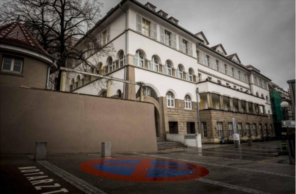 In diesem Gebäude an der Türlenstraße 22 war früher das Stuttgarter Kinderkrankenhaus untergebracht. Heute gehört es zum Bürgerhospital. Foto: Lg/Max Kovalenko