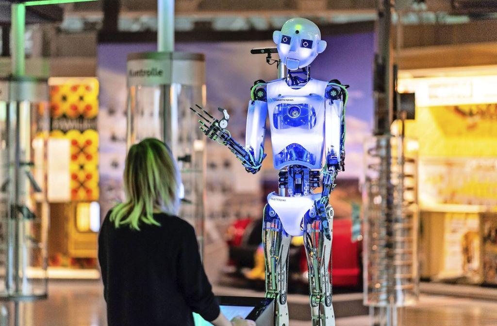 Der Kollege Roboter könnte weit mehr Arbeitsplätze besetzen als noch vor wenigen Jahren geahnt. Foto: dpa