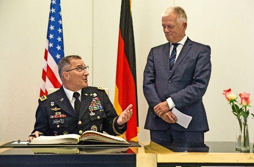 Kuhn empfängt General im zweiten Anlauf