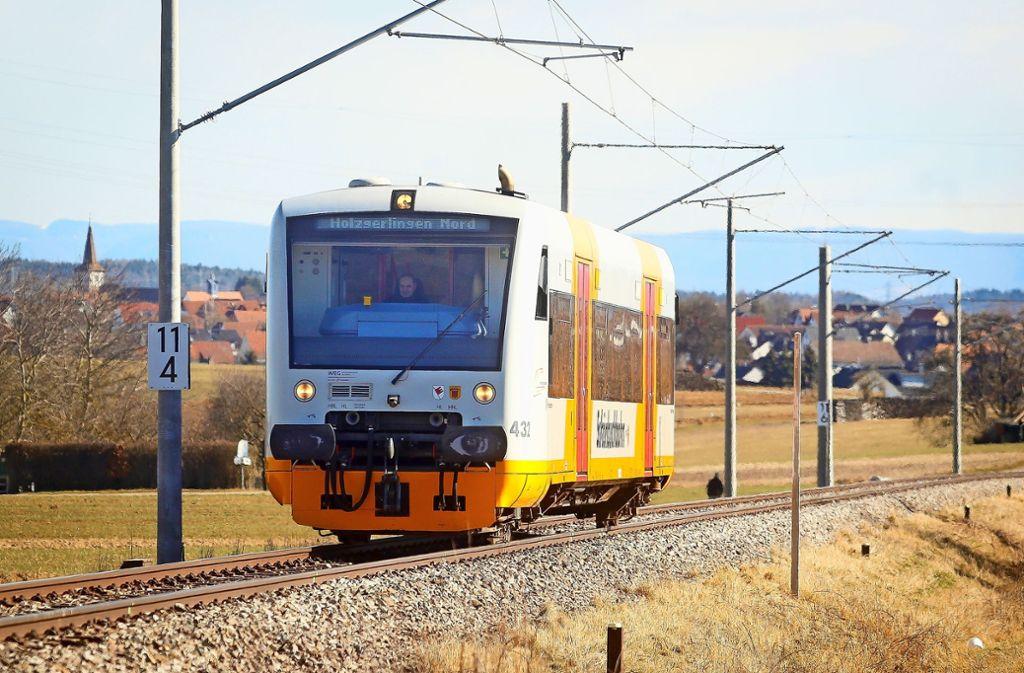 Von Dezember an soll die Schönbuchbahn zwischen Böblingen und Holzgerlingen wieder fahren – für den Kreisrat ein Erfolg. Foto: /Simon Granville/factum