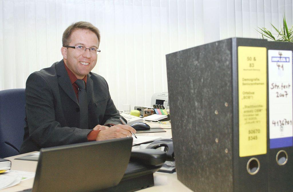 Wolfgang Stierle wird seinen Stuhl im Bezirksrathaus bald räumen.Foto: Thorsten Hettel Foto: