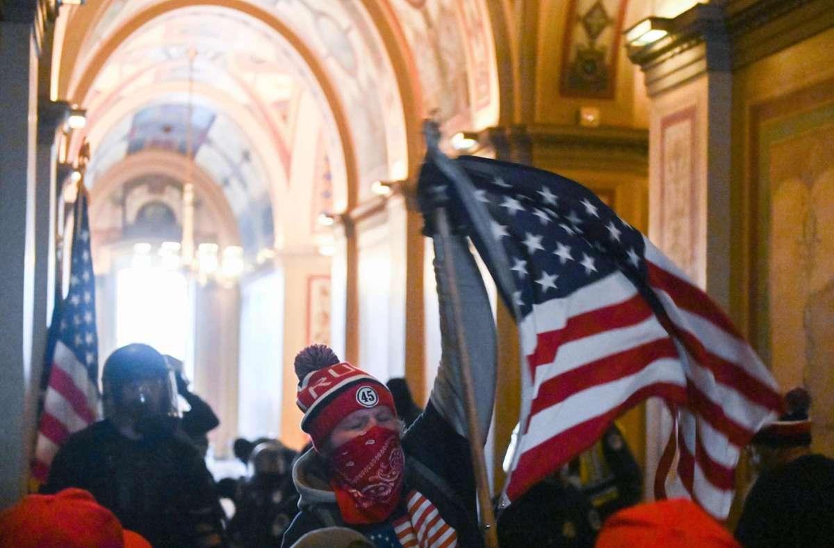 Am 6. Januar nahmen randalierende Trump-Anhänger das Kapitol in Washington ein. Foto: AFP/ROBERTO SCHMIDT