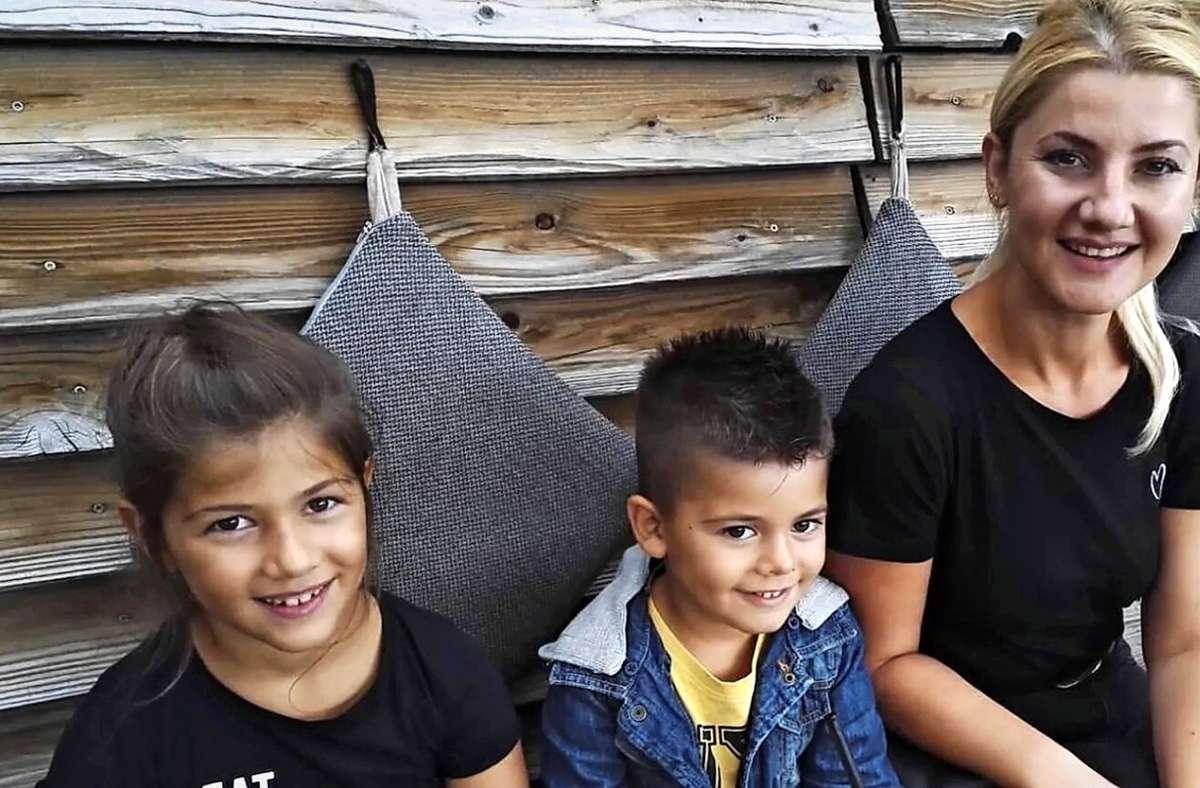 Anita K. und ihre Kinder haben  im Remstal Freundinnen gewonnen, die der Familie nun helfen wollen, wieder nach Deutschland zurückzukehren. Foto: privat