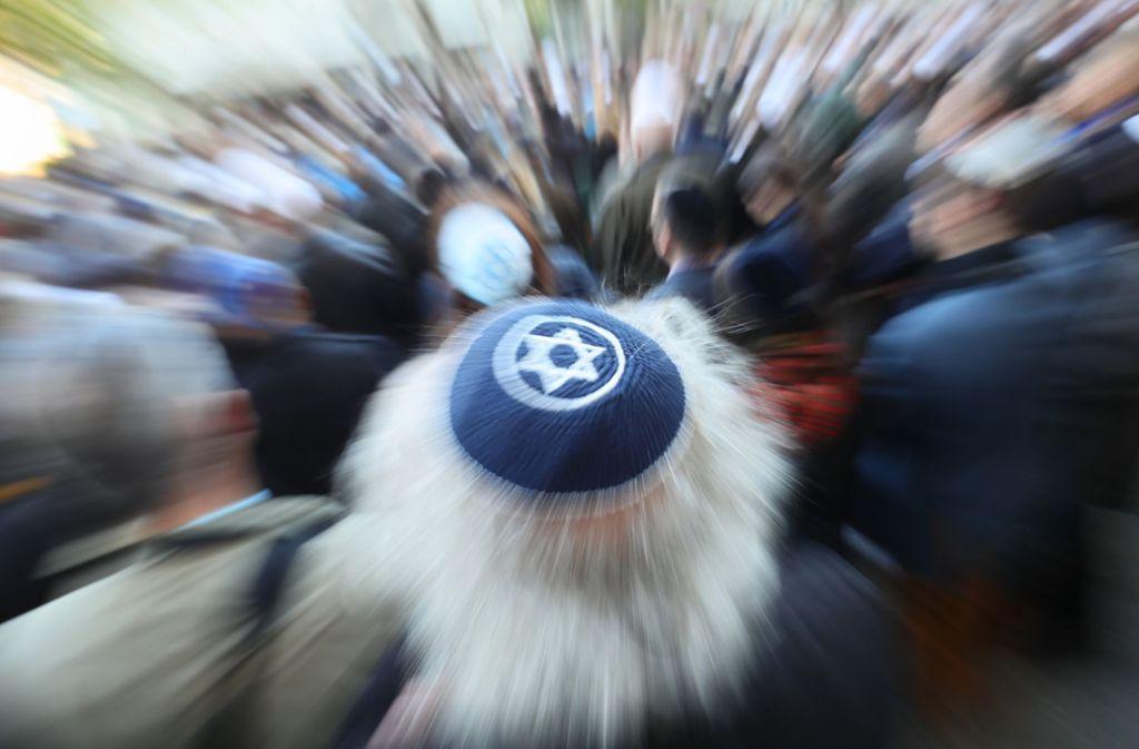 """Am Tag der Solidaritätskundgebung """"Berlin trägt Kippa"""" ist es erneut zu antisemitischen Vorfällen gekommen. Foto: dpa"""