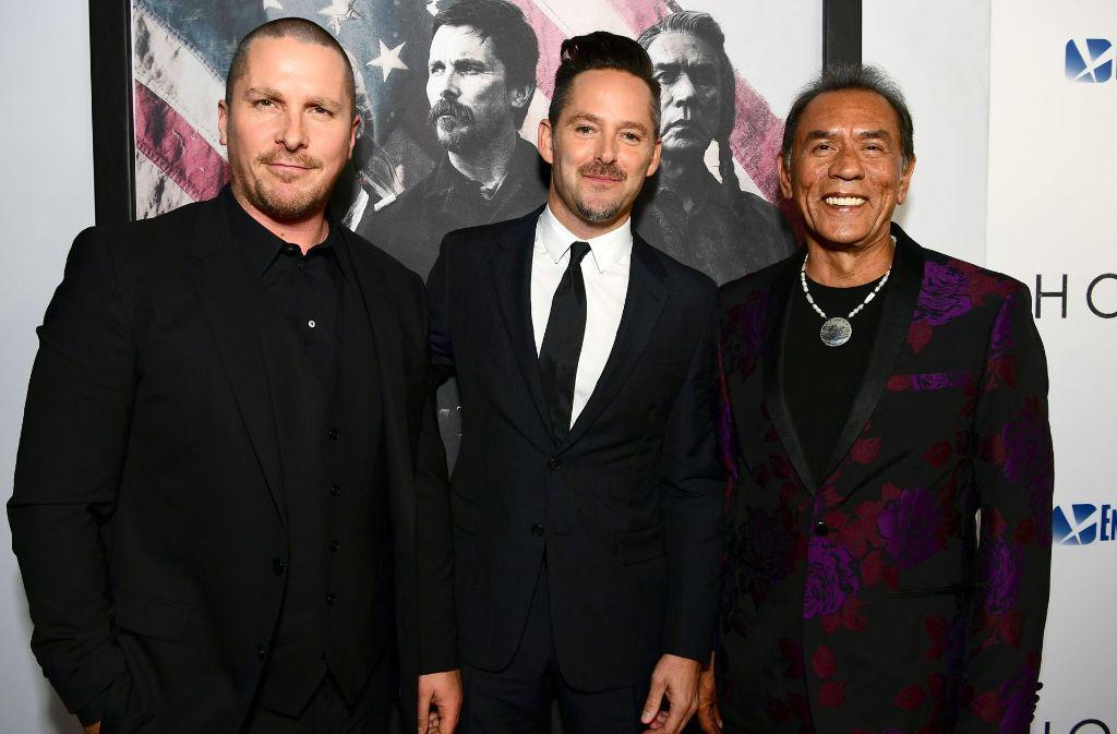 Christian Bale, Regisseur Scott Cooper und Wes Studi (von links) holen den Wilden Westen zurück auf die Leinwand. Foto: GETTY IMAGES NORTH AMERICA