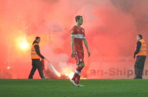 Die Bengalos, die im Europa-League-Spiel gegen Kopenhagen im November gezündet wurden, kommen den VfB Stuttgart jetzt teuer zu stehen. Foto: dpa