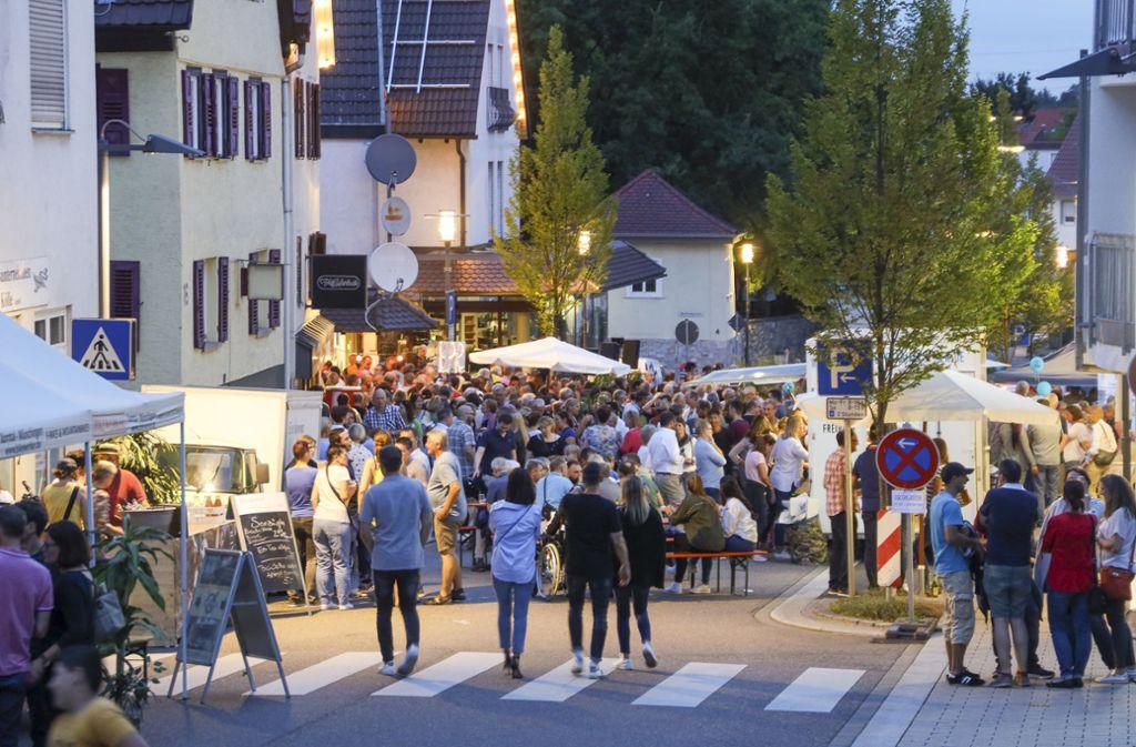 Gut besucht: die Münchinger Sommernacht Foto: factum/Weise
